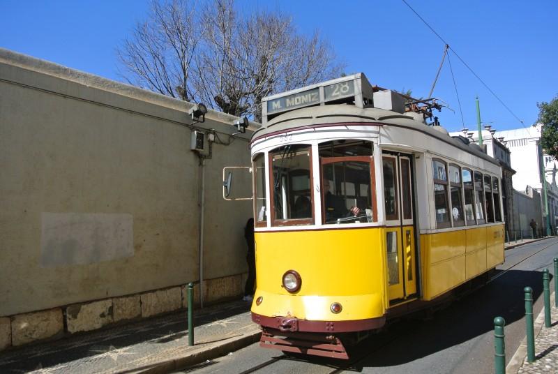 tram portugal train