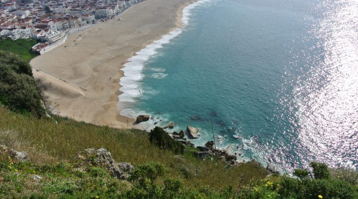 Nazaré, the city of record waves